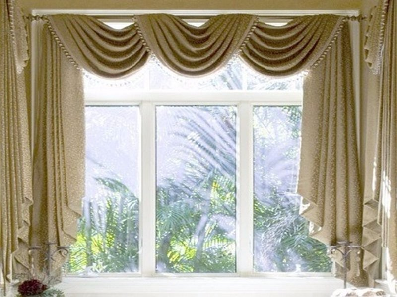 The different types of curtains hometriangle for Different styles of drapes